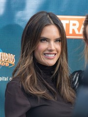 Alessandra Ambrosio appeared on 'Extra' sporting her usual straight center-parted hairstyle.