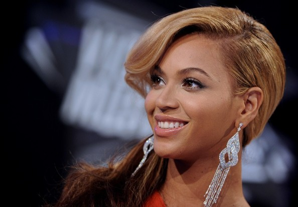 Beyonce Knowles Beauty. 2011 MTV Video Music Awards.Nokia Theatre L.A. Live, ...