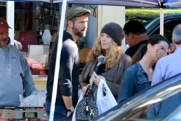 Blake Lively Ryan Reynolds Blake Lively and Ryan Reynolds's Farmers Market Date