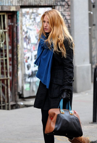 More Pics of Blake Lively Knit Scarf (1 of 8) - Blake Lively Lookbook - StyleBistro