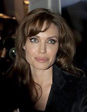 Angelina wears subtle false lashes for the premiere of 'Megamind.'