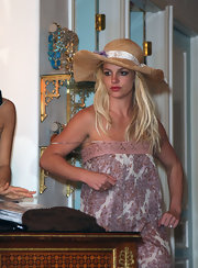 Britney Spears showed off a large sun hat while out shopping.