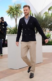 Justin Timberlake chose a pair of classic tan chinos for his look at the 'Inside Llewyn David' photo call.