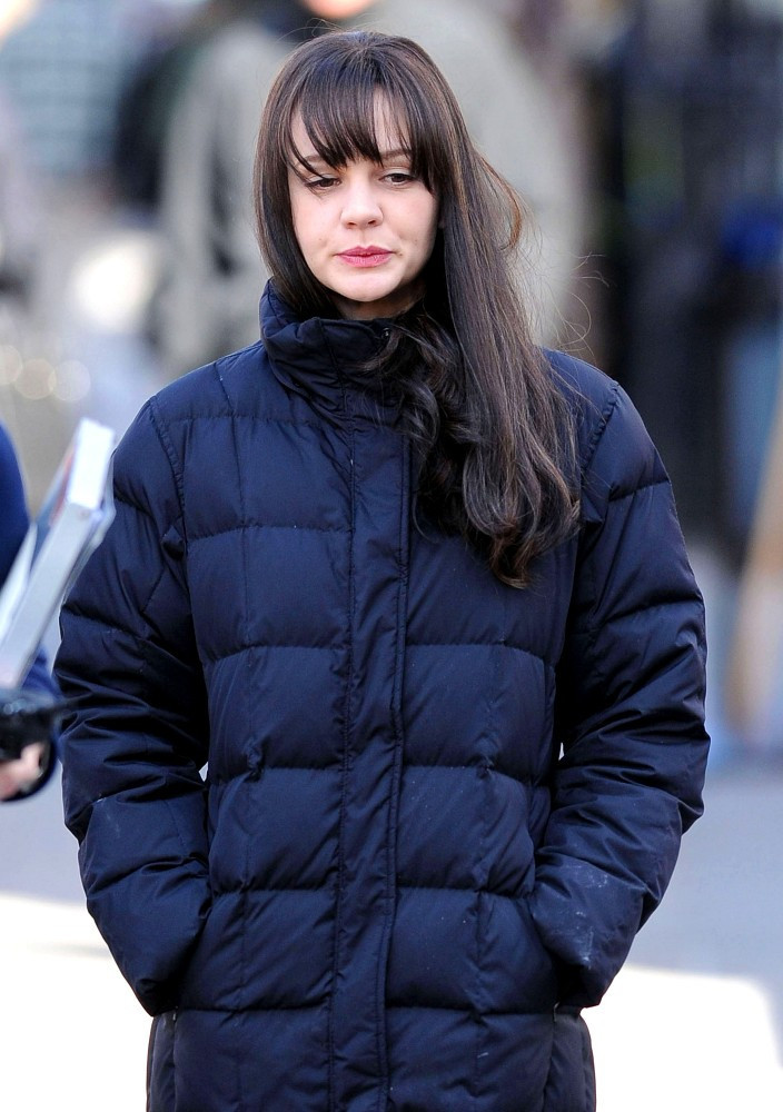 Carey Mulligan Down Jacket Lookbook Stylebistro