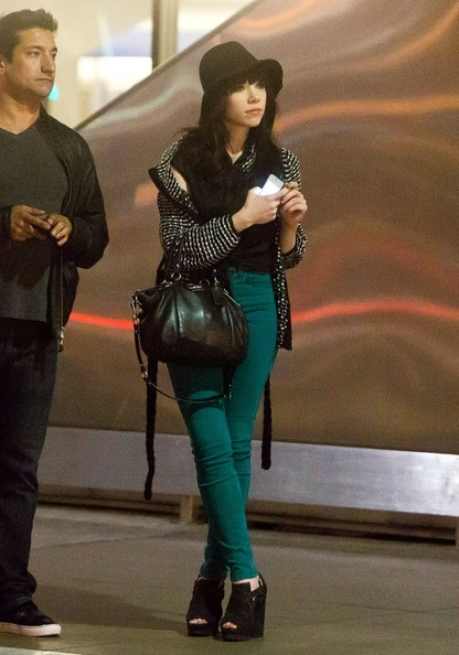 More Pics of Carly Rae Jepsen Skinny Jeans (4 of 32) - Carly Rae Jepsen Lookbook - StyleBistro