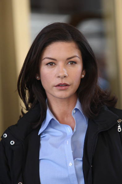 Catherine Zeta-Jones Medium Straight Cut