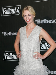 January Jones adorned her pinky finger with a diamond ring for the 'Fallout 4' launch party.