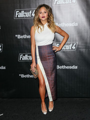 Chrissy Teigen kept it simple up top in a ribbed white tank during the 'Fallout 4' launch party.