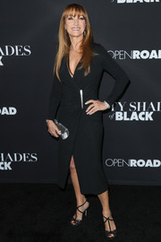 Jane Seymour complemented her LBD with black T-strap peep-toe pumps.