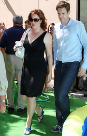 Molly Ringwald's low-cut LBD was a perfect mix of simple and sexy.