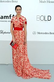 If you love print, Berenice Bejo's stunning gown at the amfAR benefit just might kill you. In the best way possible.
