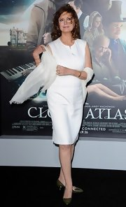 Susan Sarandon looks divine in white, don't you agree?