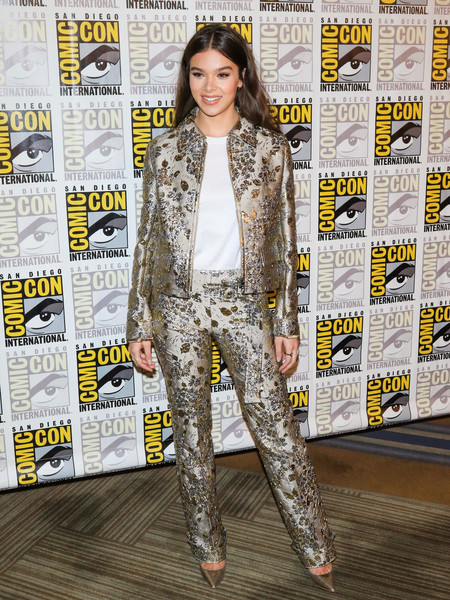 Hailee Steinfeld cut a chic figure in an embellished gold pantsuit by Prada at the 'Bumblebee' panel during Comic-Con International.