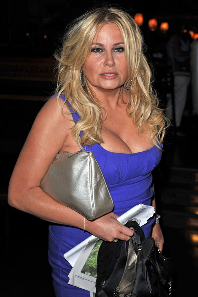 Reserve jennifer coolidge bikini photos