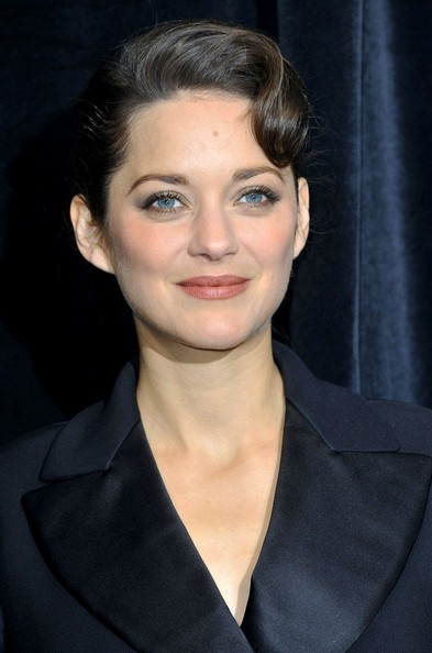 More Pics of Marion Cotillard Evening Coat (2 of 12) - Marion Cotillard Lookbook - StyleBistro