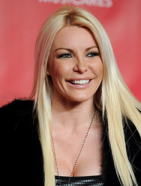 Crystal Harris Long Straight Cut