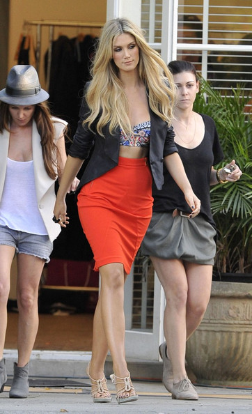 Delta Goodrem Pencil Skirt