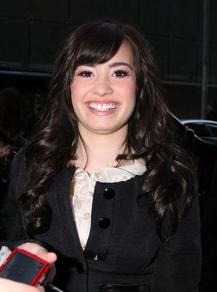 Demi Lovato Long Curls with Bangs []