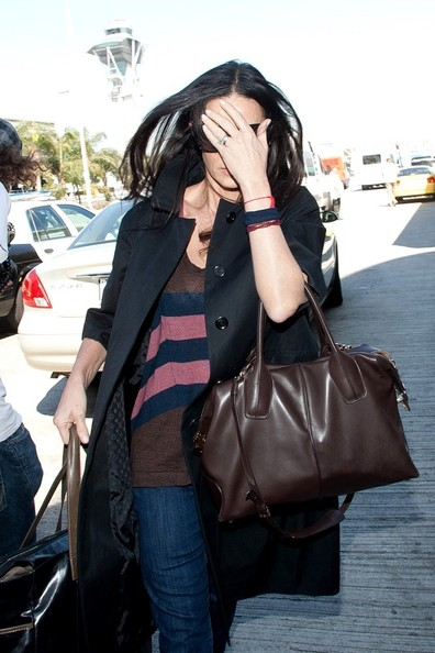 More Pics of Demi Moore Leather Tote (1 of 2) - Demi Moore Lookbook - StyleBistro