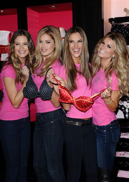 Victoria's Secret Holiday Shopping