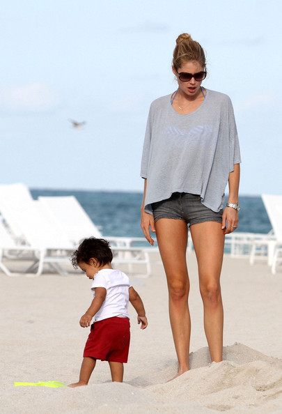 Doutzen Kroes Jean Shorts