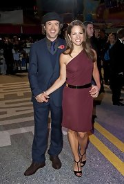 Susan Downey looked oh-so-hip in a maroon one-shoulder dress and a metal belt at the premiere of 'Due Date.'