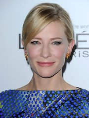 Cate's glossy pink lips at the 'ELLE' Women in Hollywood event highlighted her elegant features.