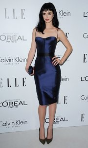 Krysten was smoldering in this iridescent navy corset dress at the Women in Hollywood Celebration.