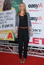 Lisa Kudrow finished off her stylish ensemble with a pair of tan cutout boots.