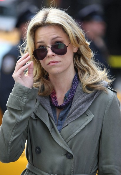 Elizabeth Banks Aviator Sunglasses