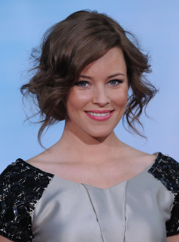 Elizabeth Banks Bobby Pinned Updo Elizabeth Banks Looks