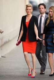Elizabeth Banks arrived for her 'Jimmy Kimmel' appearance looking tres chic in a black BB Dakota cape blazer over a red Mugler dress.