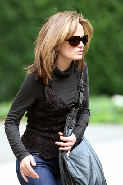 Elizabeth Reaser Sunglasses