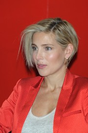 Elsa Pataky looked cool with her short side-parted 'do while promoting her book in Madrid.
