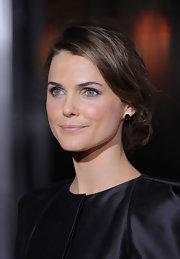 Keri Russell achieved a natural look with a swipe of pale pink lipstick.