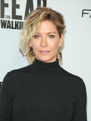 Jenna Elfman rocked a messy updo at the Survival Sunday: The Walking Dead and Fear the Walking Dead event.