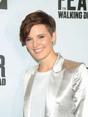 Maggie Grace looked cool wearing this boy cut at the Survival Sunday: The Walking Dead and Fear the Walking Dead event.