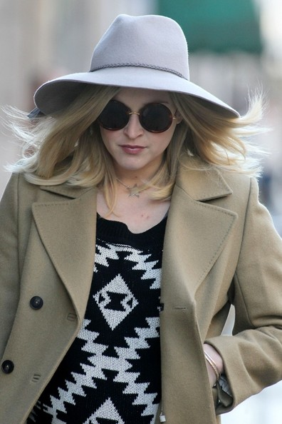 More Pics of Fearne Cotton Wide Brimmed Hat (1 of 6) - Wide Brimmed Hat Lookbook - StyleBistro