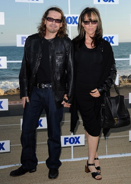 Katey Sagal finished off her subdued all-black ensemble at the 2011 Fox All-Star Party with a leather tote.