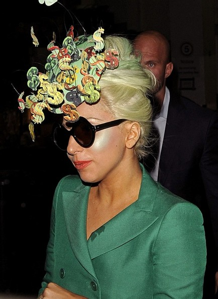 More Pics of Lady Gaga Fascinator (1 of 8) - Lady Gaga Lookbook - StyleBistro