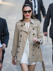 Gal Gadot stopped by 'Kimmel' wearing chic cateye sunnies by Prada.