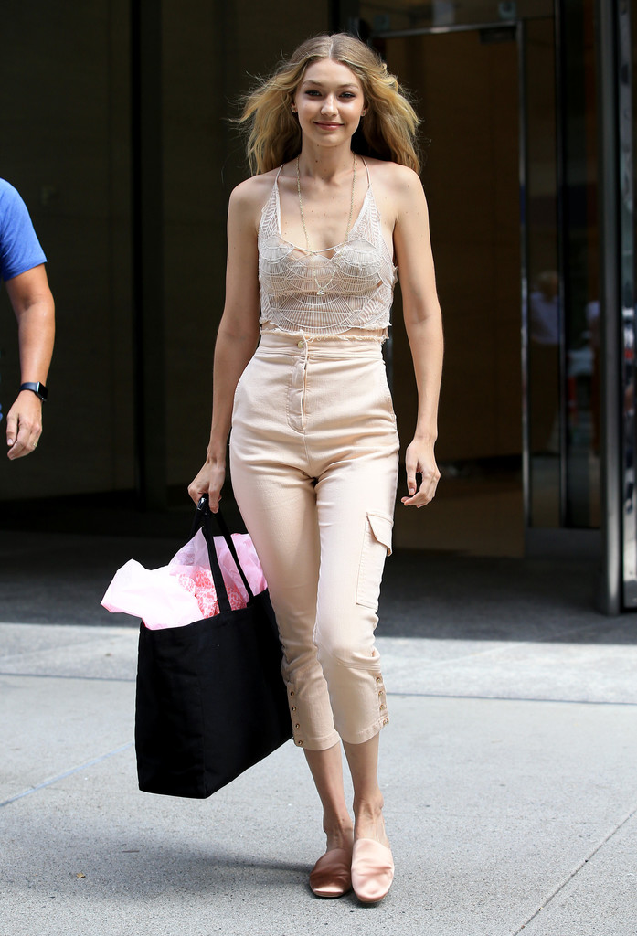 Gigi Hadid Shoes Looks Stylebistro