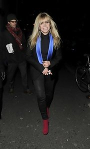 Jo Wood sported a basic black blazer with a twist when she wore this piece with blue satin lapels.