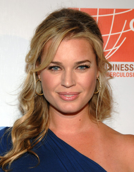 More Pics of Rebecca Romijn Diamond Hoops (1 of 14) - Rebecca Romijn Lookbook - StyleBistro