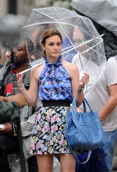 More Pics of Leighton Meester Bubble Umbrella (4 of 5) - Bubble Umbrella Lookbook - StyleBistro []