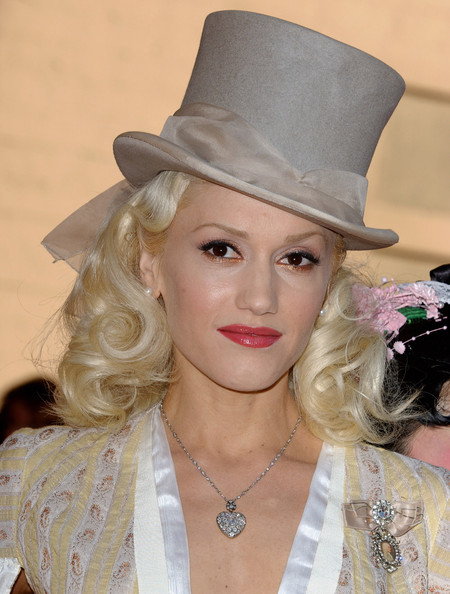 Gwen Stefani Top Hat