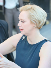 Gwendoline Christie looked trendy with her wedge cut while visiting 'Kimmel.'