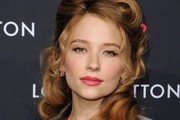 Haley Bennett Retro Hairstyle