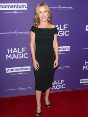 Angela Kinsey complemented her dress with classic black peep-toes.