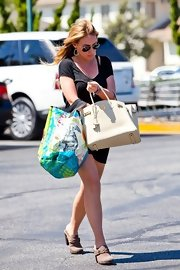 Haylie Duff showed off her classic Birkin bag while hitting Whole Foods.